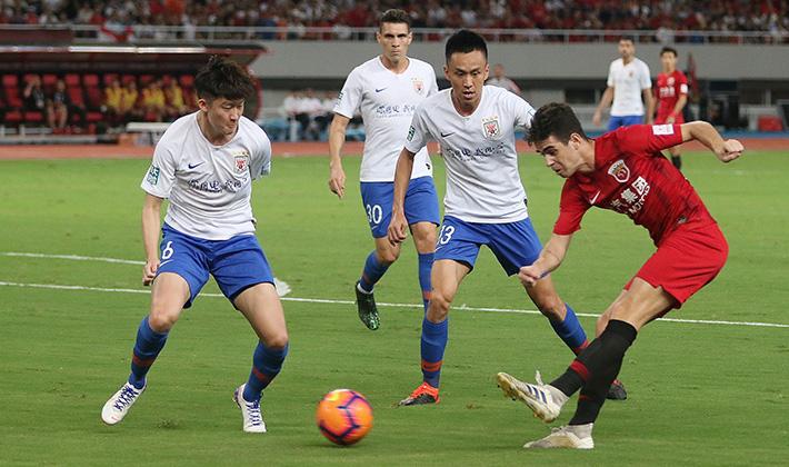 一战到底 | 燕京啤酒2019中国足协杯 鲁能少一人淘汰上港 与申花会师决赛